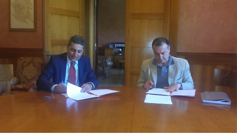 firma accordo TAB italiano alta